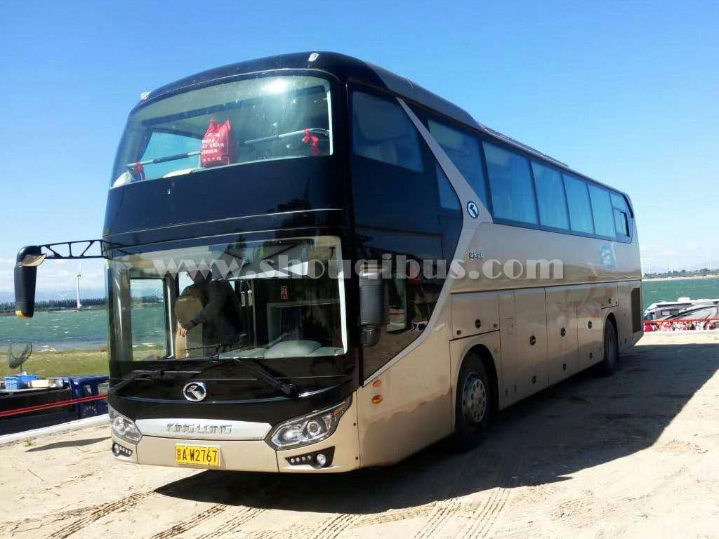首汽61座大巴车:金龙客车KLQ6125D