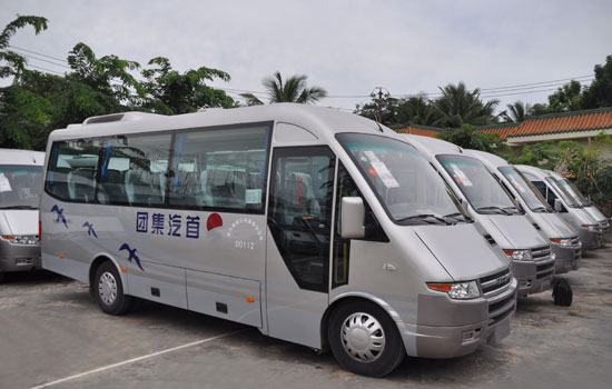 南京依维柯在北京交付首汽巴士旅游公司20辆旅游车