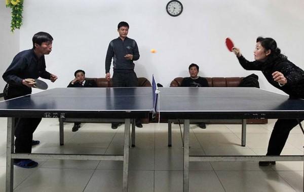 首汽巴士旅游公司组织员工参加社区乒乓球比赛