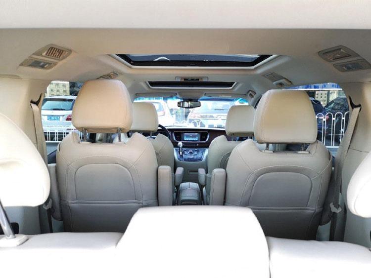 7座别克GL8豪华版租车价格:8小时100公里800元