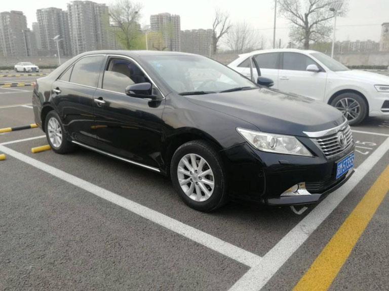 北京商务车租车:5座丰田凯美瑞租一天多少钱?