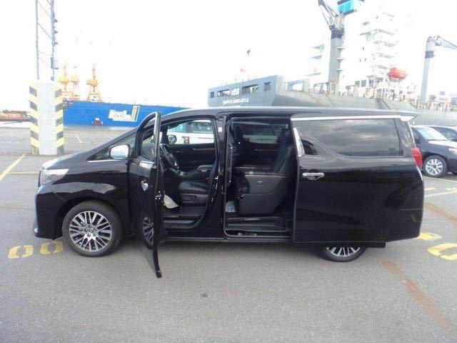北京新款7座黑色丰田埃尔法代驾租车