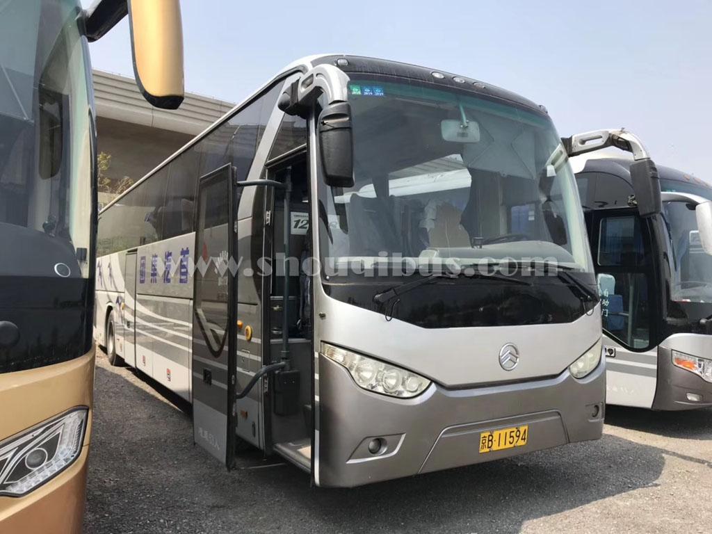 北京53座大巴车带司机市内接送多少钱一趟?