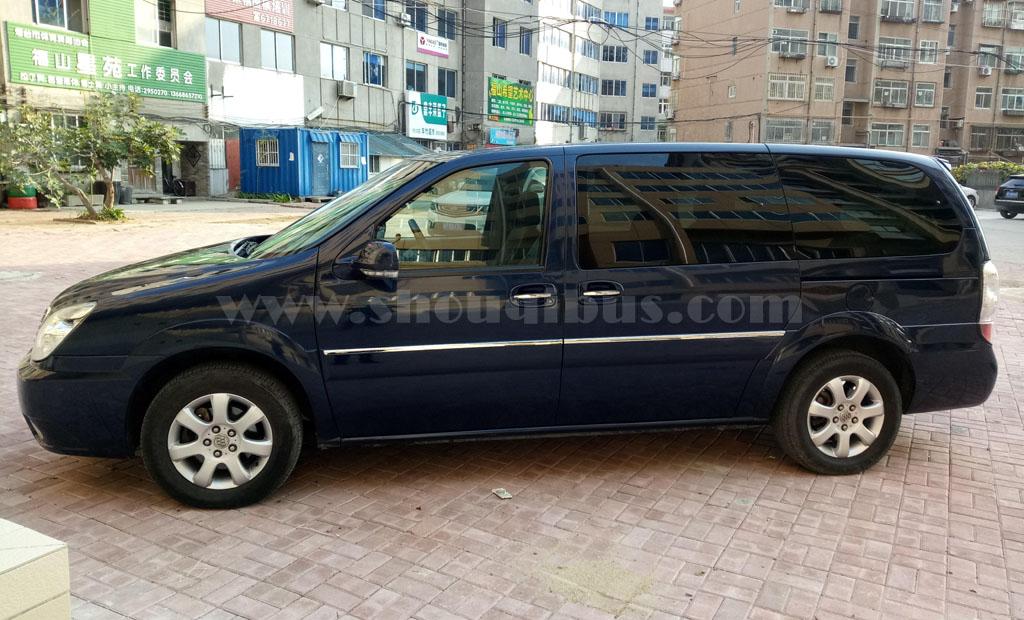北京租车7座位带司机:别克陆尊(7座)
