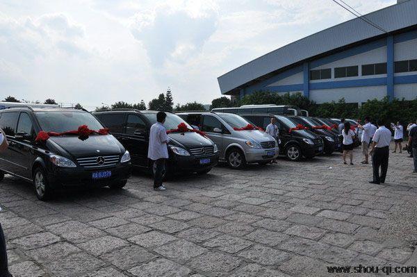 易租易购!首汽租车奔驰唯雅诺商务车满足北京高端政商用车需求