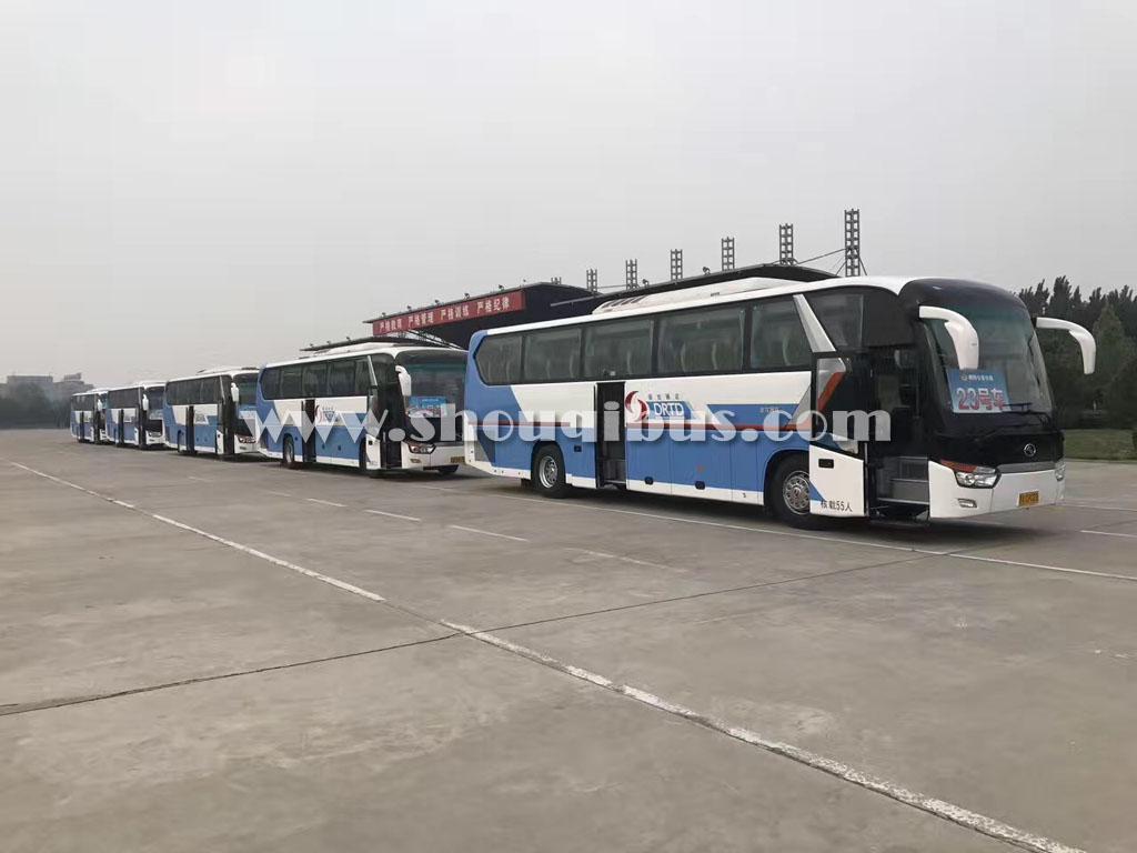 首汽45座金龙旅游大巴收费标准