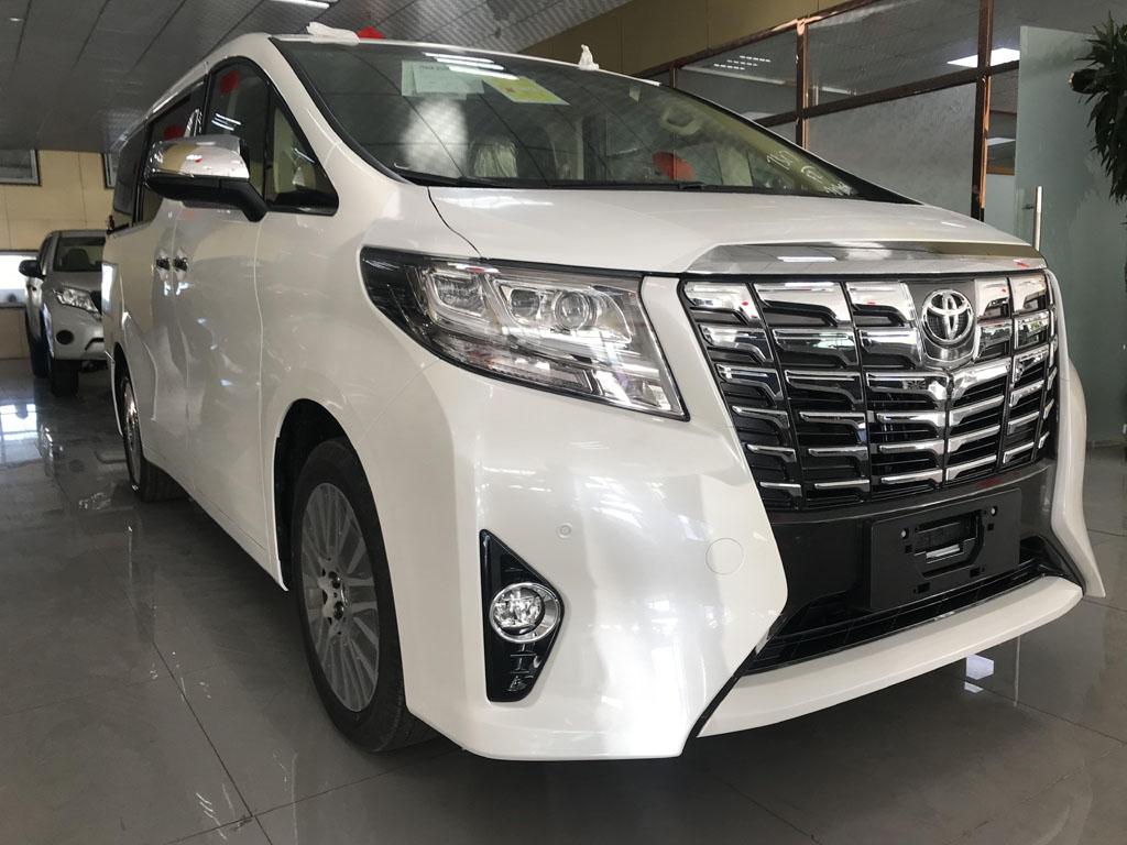 首汽约车丰田埃尔法(6座)