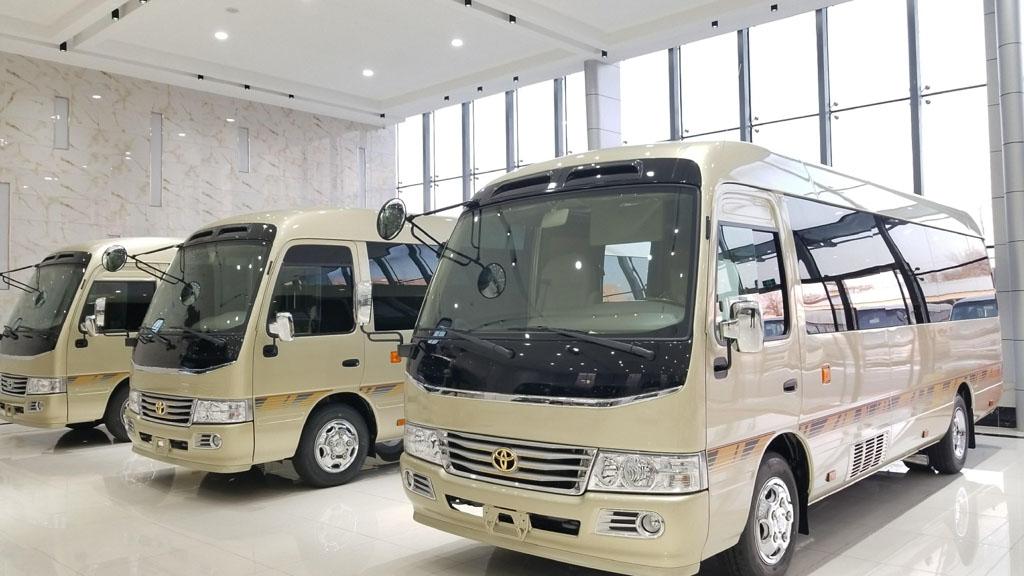 北汽豪华版丰田考斯特商务车