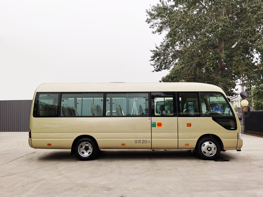 北京银建20座小巴租赁价格