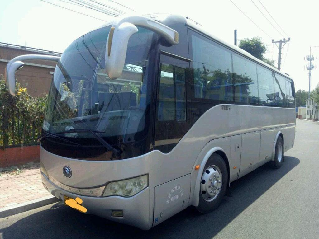 北京租30座中巴车一天多少钱?