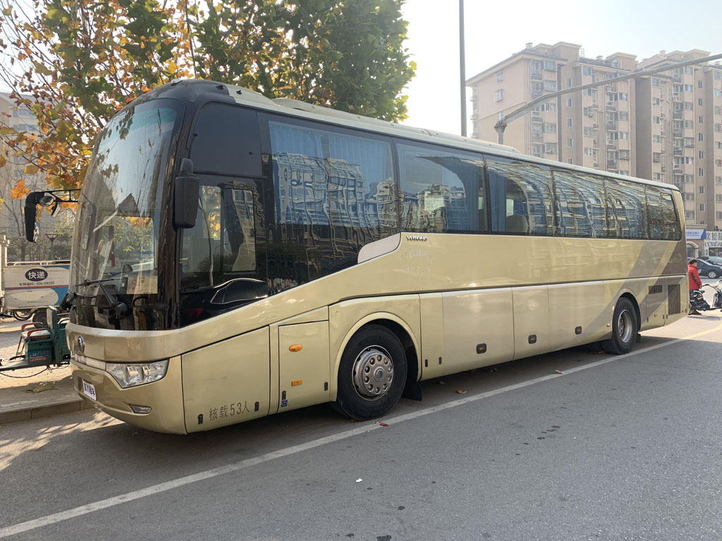 首汽集团巴士:55座金龙大巴