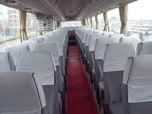 北京61+2座位宇通大巴配司机出租