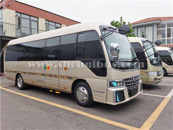 北京考斯特13座中巴车租赁