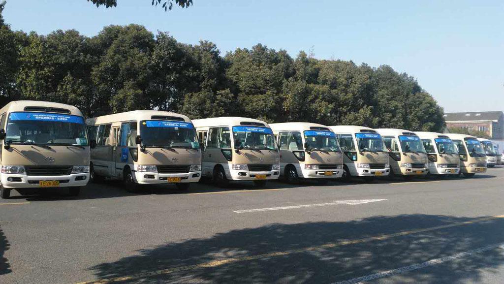 北京外出旅游包车还是租车?你选择哪种