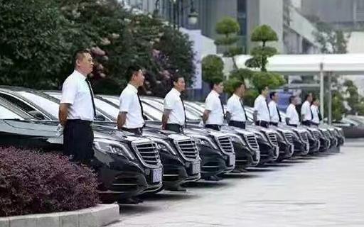 北京旅游带司机包车怎么租,租车费怎么计算?