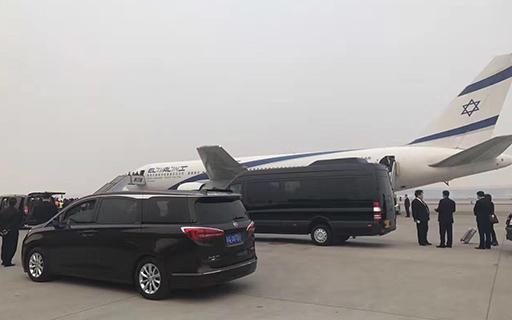 北京租奔驰凌特带司机价格便宜吗,多少钱一天?