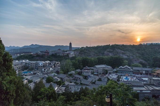 北京密云爱斐堡红酒庄园+古北水镇两日游包天