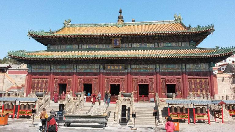 北京去承德两日游包车(14座奔面乘坐13人)
