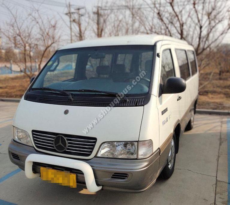北京巴士租车:13座奔驰MB100