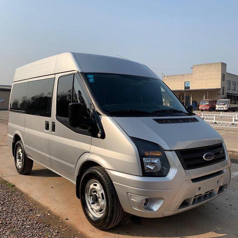 北京中巴租车:12座福特全顺商务车