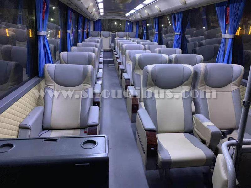 北京首汽约车日租:37座豪华巴士8小时租车价格