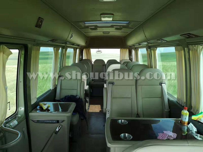 北京租考斯特商务车价格表,配司机代驾考斯特商务多少钱?