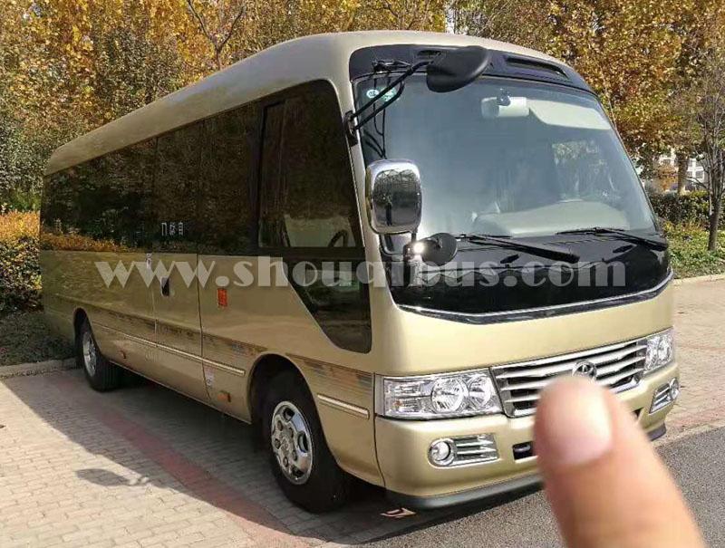 北京租中巴车19-23座考斯特接送机场多少钱?