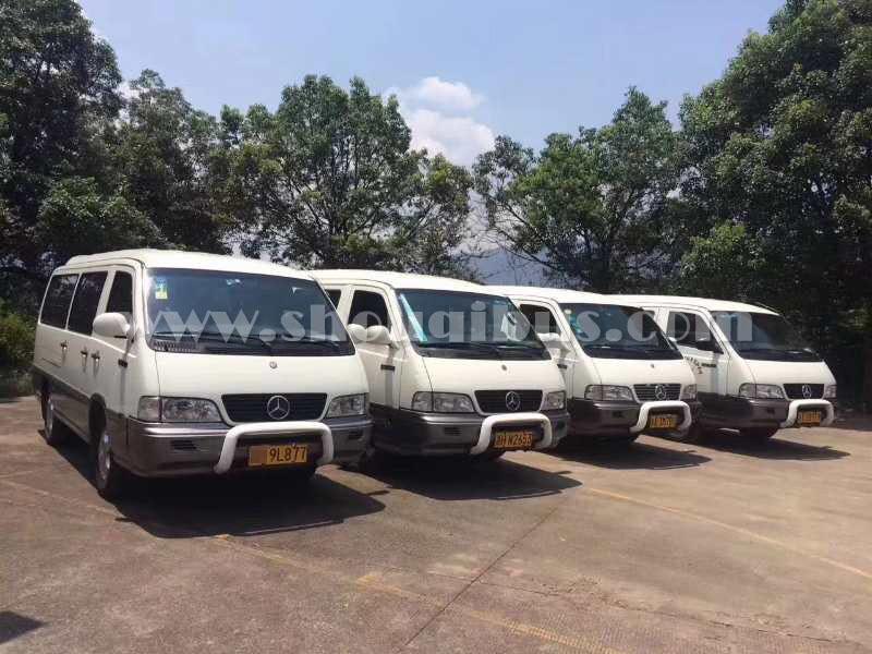 北京15座奔驰MB100带司机包一天多少钱?