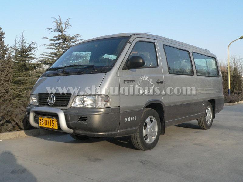 北京15座中巴车带司机包一天多少钱?