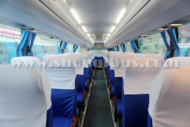 首汽39座中巴车:金旅XML6887J15N