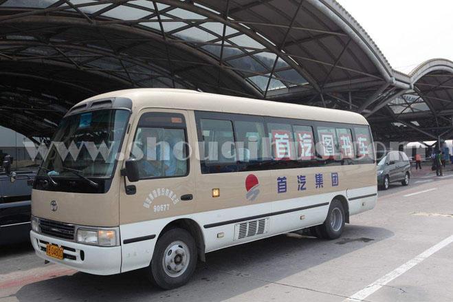 首都机场接送机车型- 19座丰田 考斯特:SCT6700R