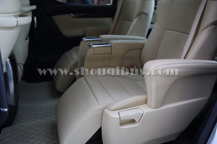 首汽豪华商务车:7座新款丰田埃尔法Alphard