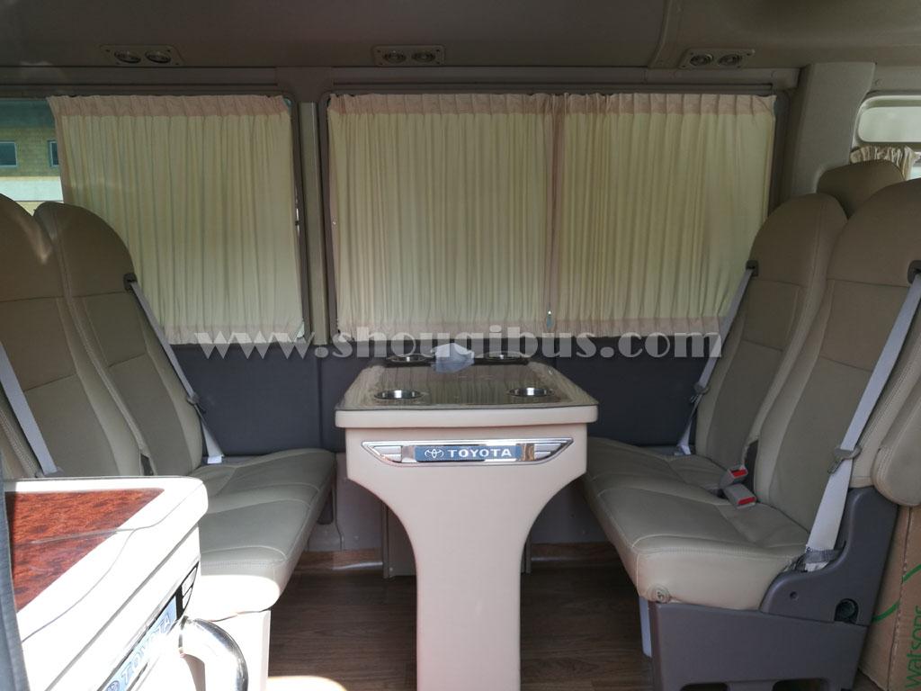 首汽小型客车:17座豪华版丰田考斯特