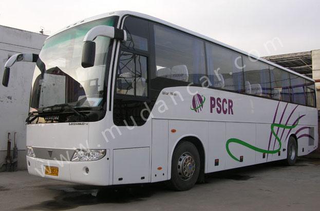 大型客车:55座福田大巴车