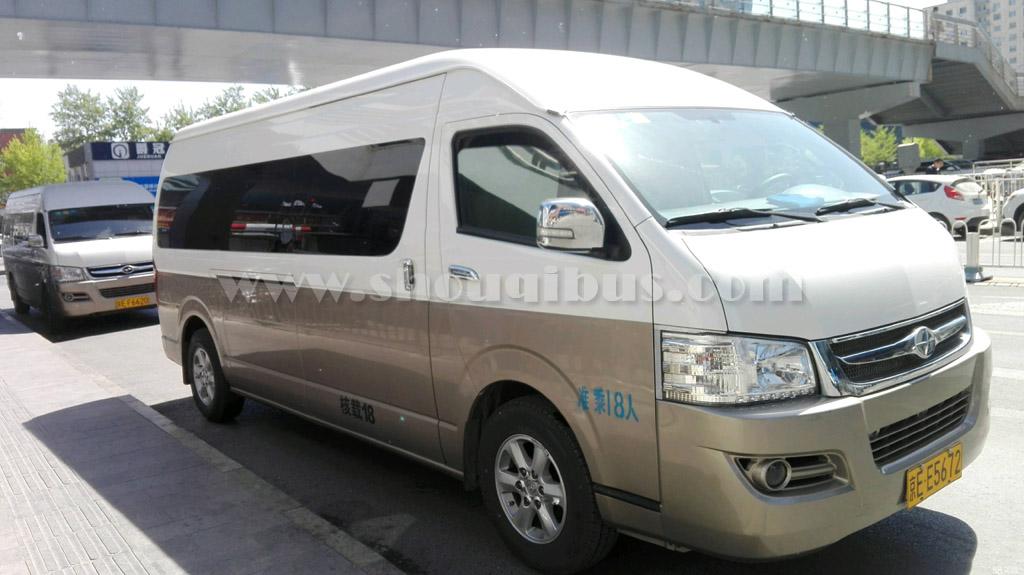 小型客车:18座丰田海狮