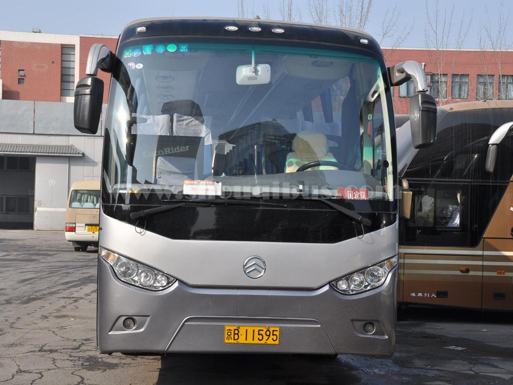 首汽50座大巴车:金旅大型客车