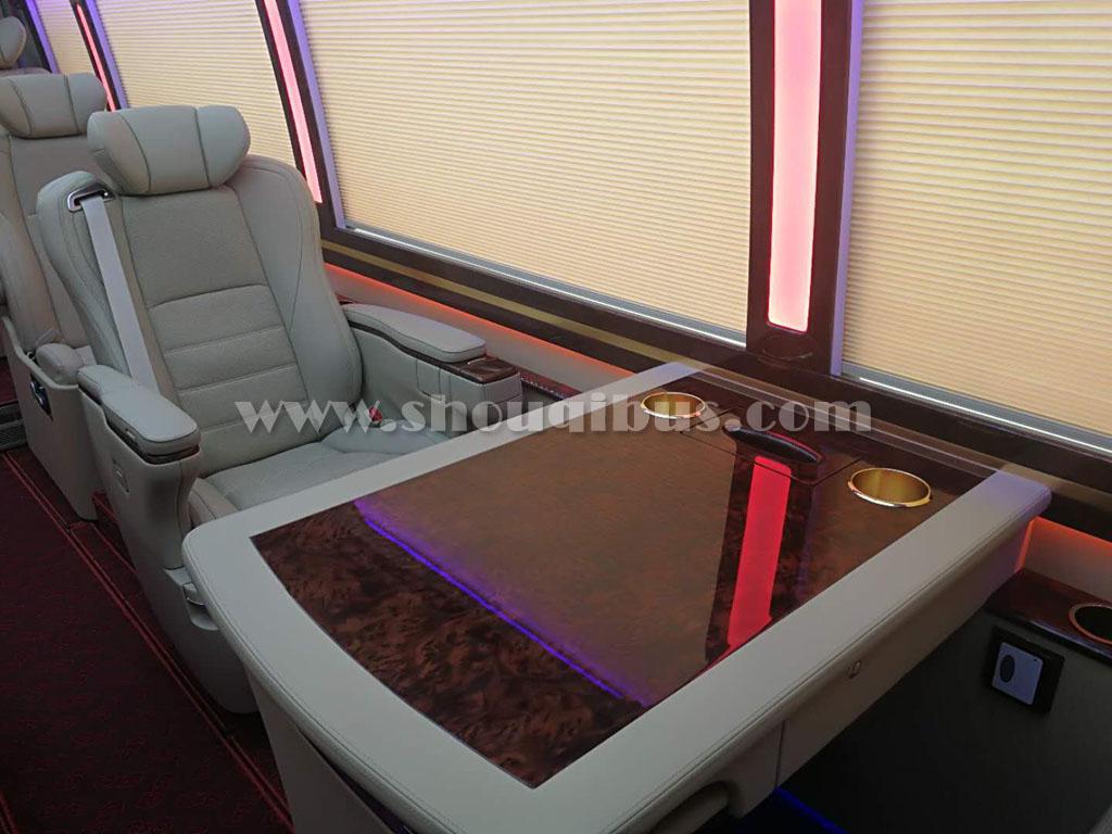 首汽豪华巴士:12座豪华版丰田考斯特