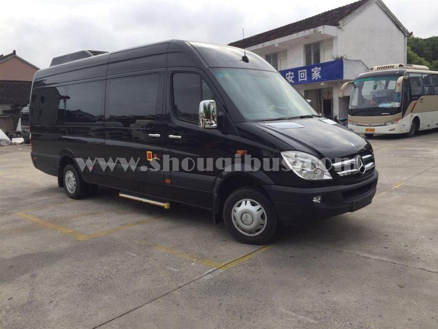 奔驰凌特-14座租车价格 日租1800元元接送机800