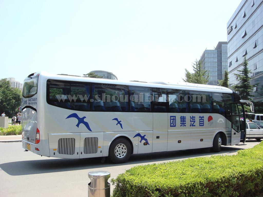 首汽51座大巴车:宇通大型客车