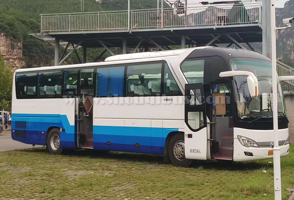 北京首汽大型客车:54座宇通ZK6127HA19